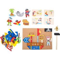 Small Foot Dřevěná kreativní hra piráti